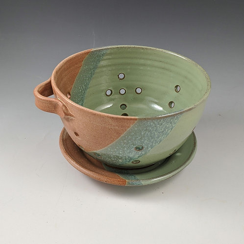 Berry Bowl with Liner