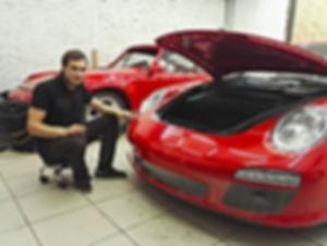 Наши специалисты по оклейки авто пленкой: Винтик и Шпунтик (Vintic & Shpuntic)