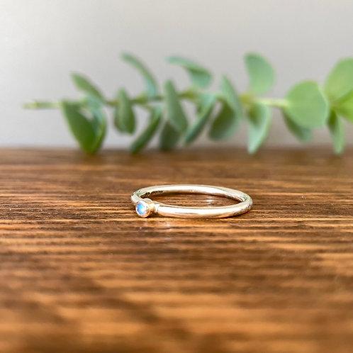 Tiny Moonstone Ring P (7.5)