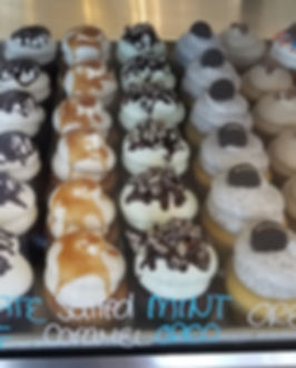 Sweet Temptations Yorkville IL - cupcake