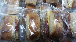 Pão de Metro recheados Broolin
