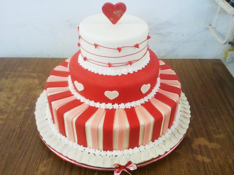 Bolo p/ Casamentos e Festas Infantis