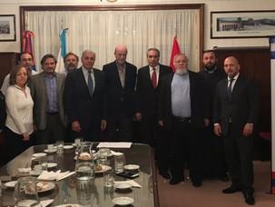 Encuentro del embajador de Argentina en Armenia, Gonzalo Urriolabeitia, con los miembros de IARA
