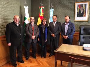 Encuentro con el embajador de Bolivia