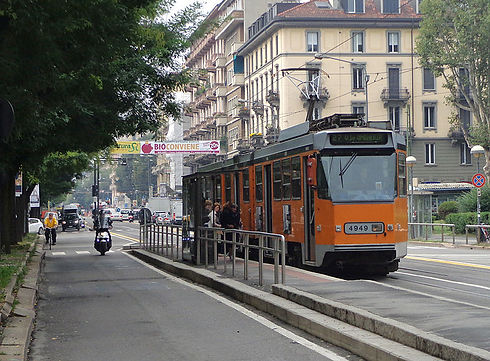 800px-Milano_corso_XXII_Marzo_tram_4949.