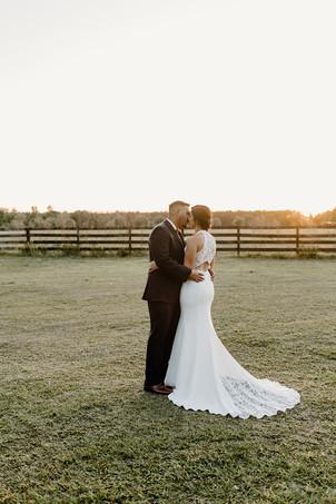 The_Edison_Barn_Wedding_BrideandGroom2-1