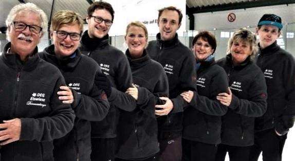 Sportlerinnen und Sportler der DEG Eiswiese