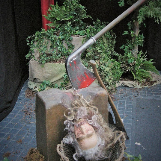 Severed Head Harry Potter Theming