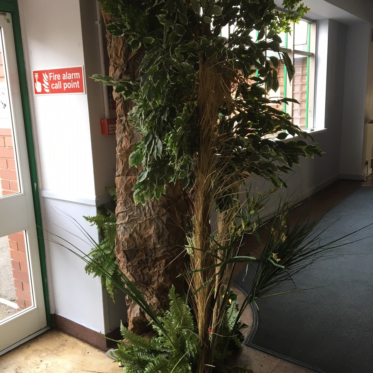 Entrance Feature Left Upright