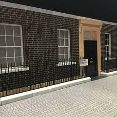 Replica Number 10 Downing Street Set