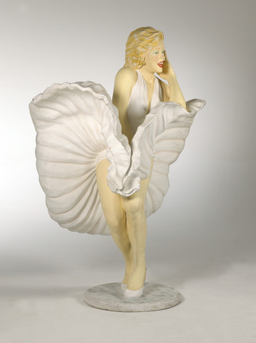 Life size Marilyn Monroe Statue Staging Services