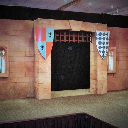 Hogwarts Castle Entrance Feature Stage Set
