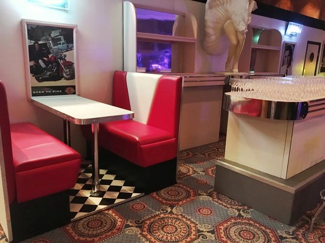 Dining Booth -01.jpeg