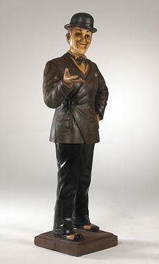 Stan Laurel Statue
