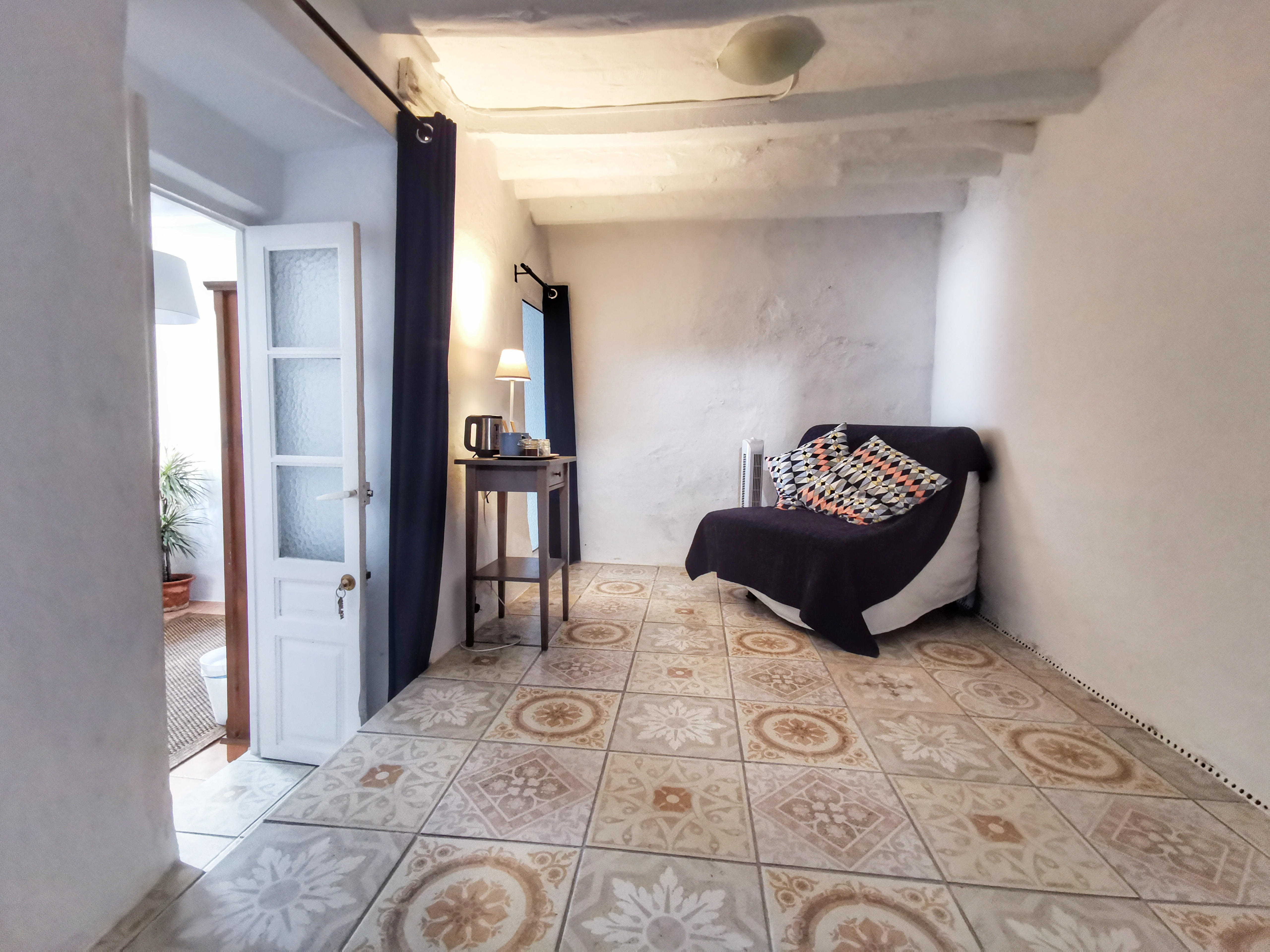 Málaga's extra storage / relaxing space