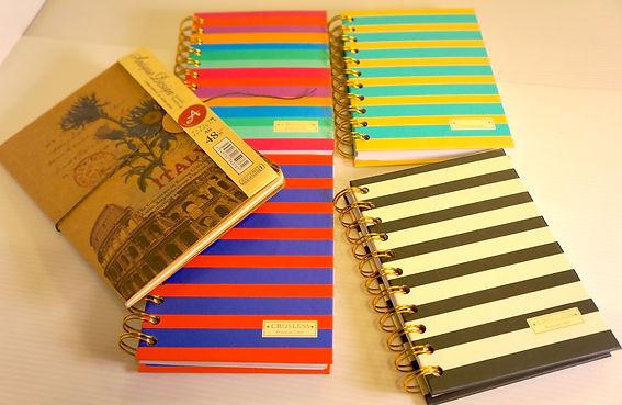條紋筆記本