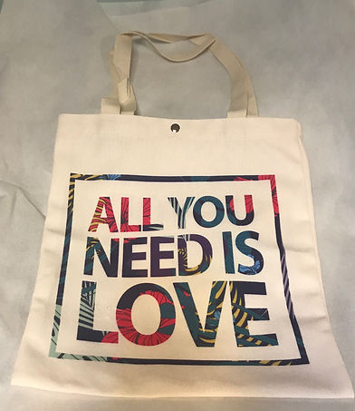 A52 All you need is love 帆布提袋 1個