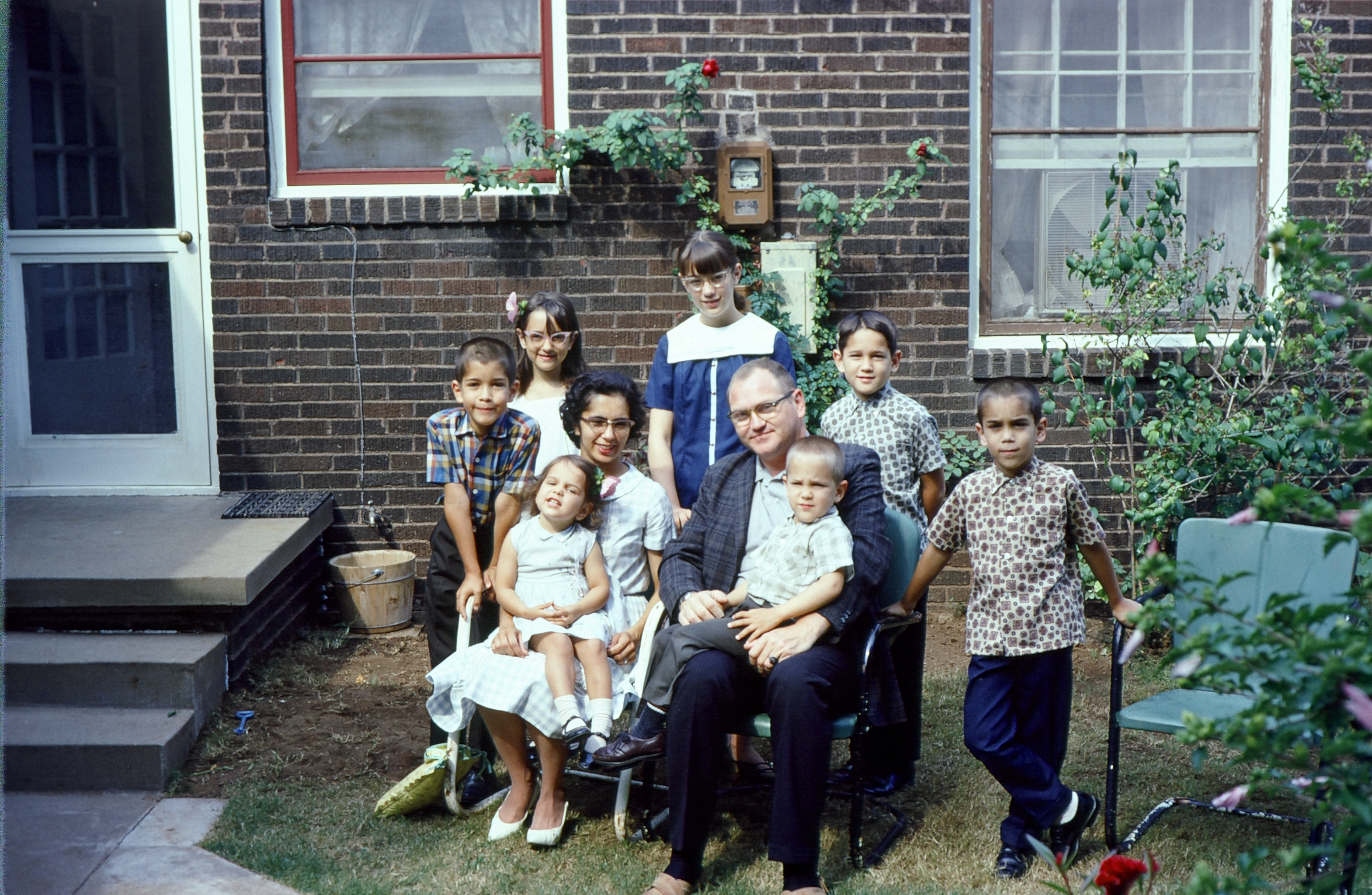 Whole Jack Robertson family (uncropped)