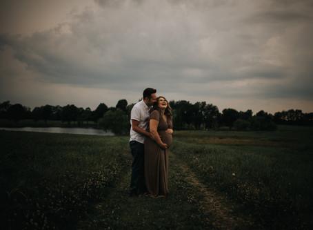 Maggie & Josh [Maternity Mini Session] • Lexington, Kentucky