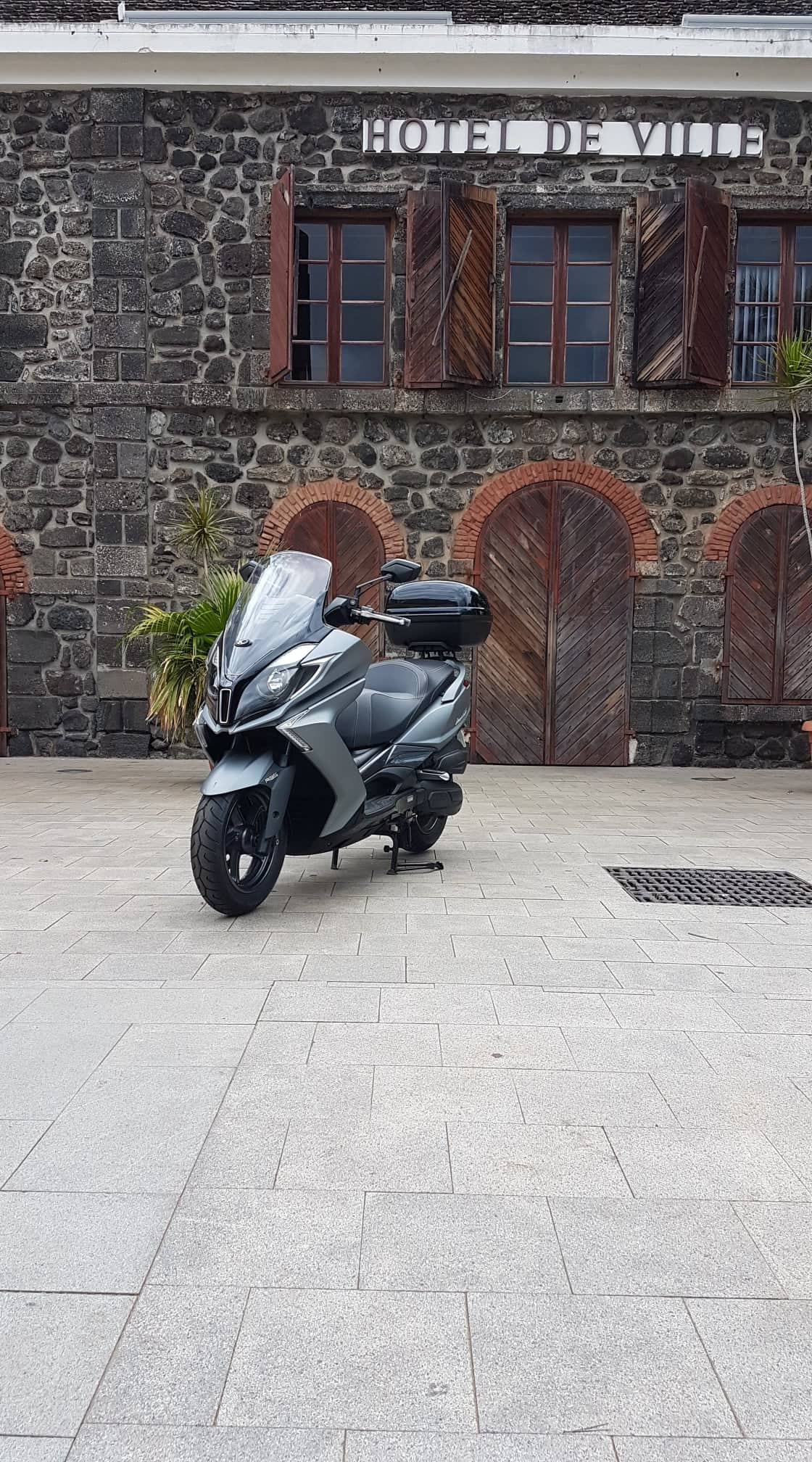Suzuki Burgman 125 / Kymco Downtown 125