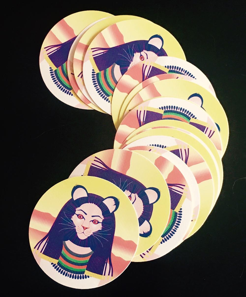 Je serai en dédicace au Salon de Montreuil le dimanche 1er décembre de 13 à 15 h sur le stand La Martinière. J'aurai d'indomptables stickers.