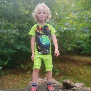 Shorts & T-shirts Green Planets Modelled