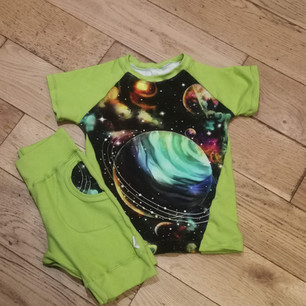 Shorts & T-shirts Green Planets
