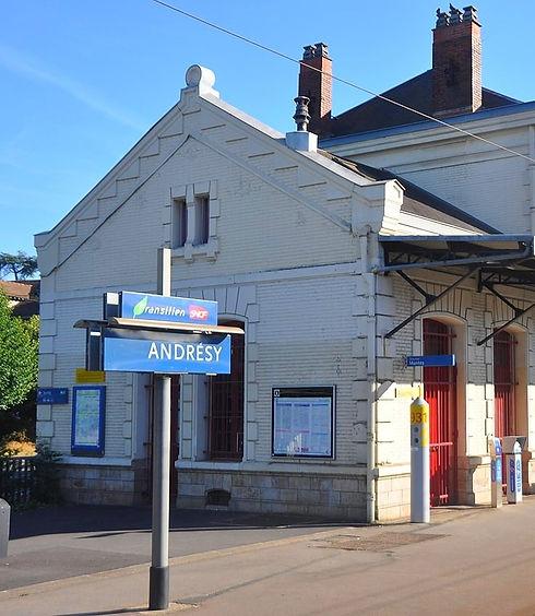 Gare-Andresy_edited.jpg