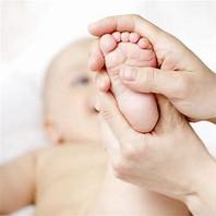 massage bébé 3.jpeg