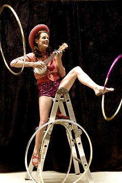street theatre, hula hoop, hula-hoop, ladder,