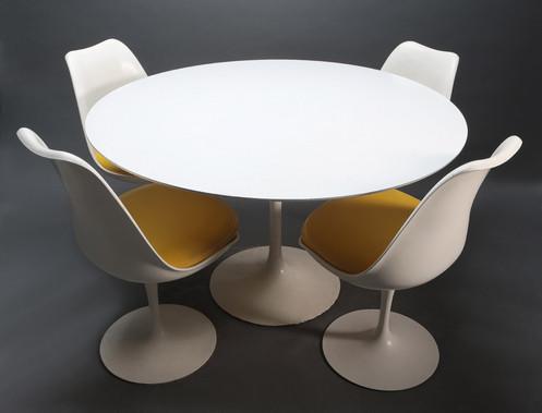 Authentic Vintage Knoll Saarinen Tulip Table 4 Chairs Mcm Mid Century Modern