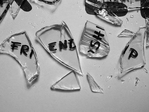635882504421131212-1473599019_friend break up.jpg