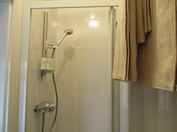 Room 5 en-suite