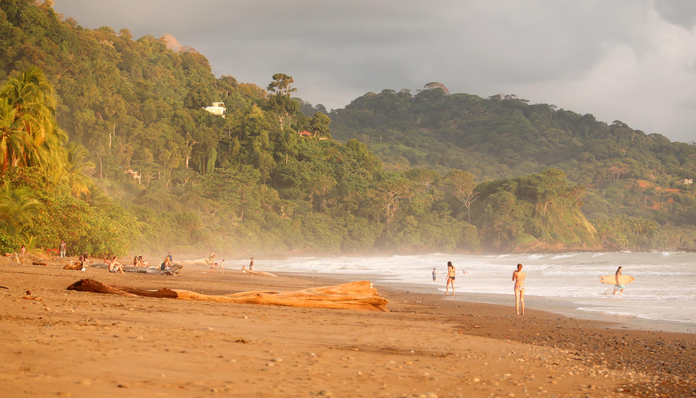 Dominical Beach Surf