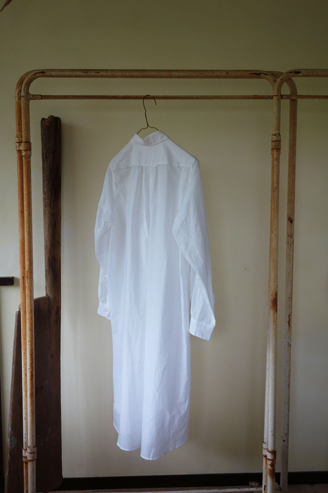 khadi_shirt_woman_long_white_back.jpg