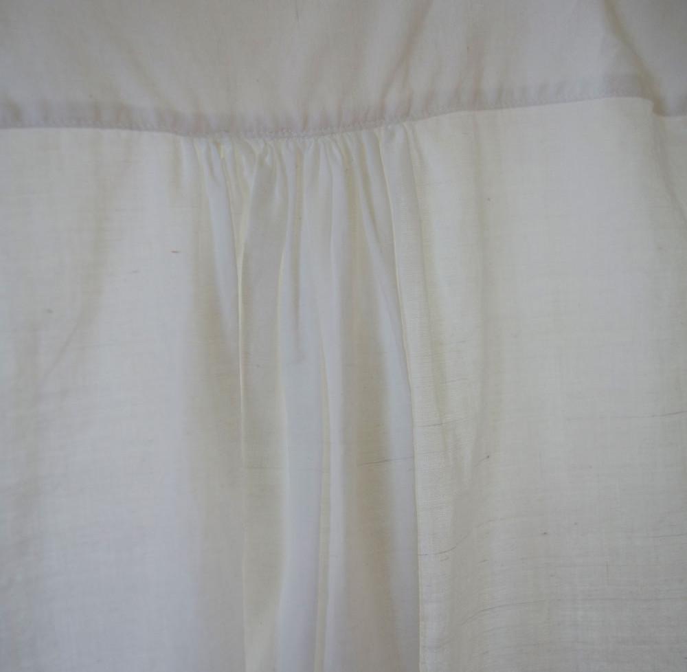 khadi_shirt_woman_white_gather.jpg