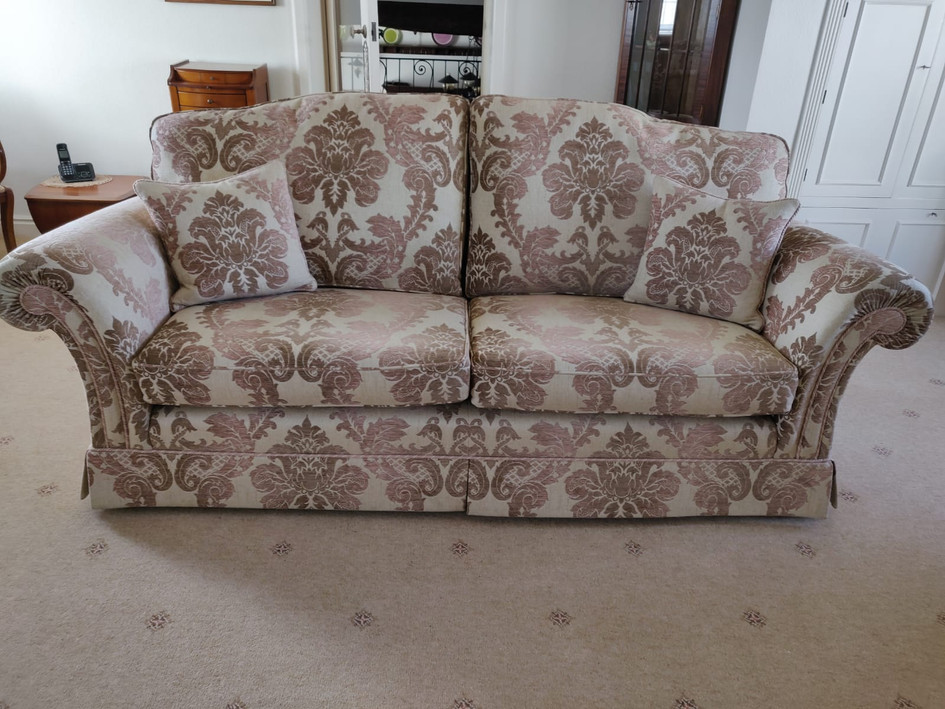 DAVID GUNDRY MONTROSE LARGE SOFA, EASY CHAIR AND WING CHAIR (EX DISPLAY - 1 ONLY) RRP £8200 NOW £1895
