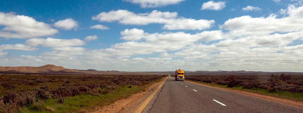 Road_Freight_Australia_Omnia_Logistics_red_edited.jpg