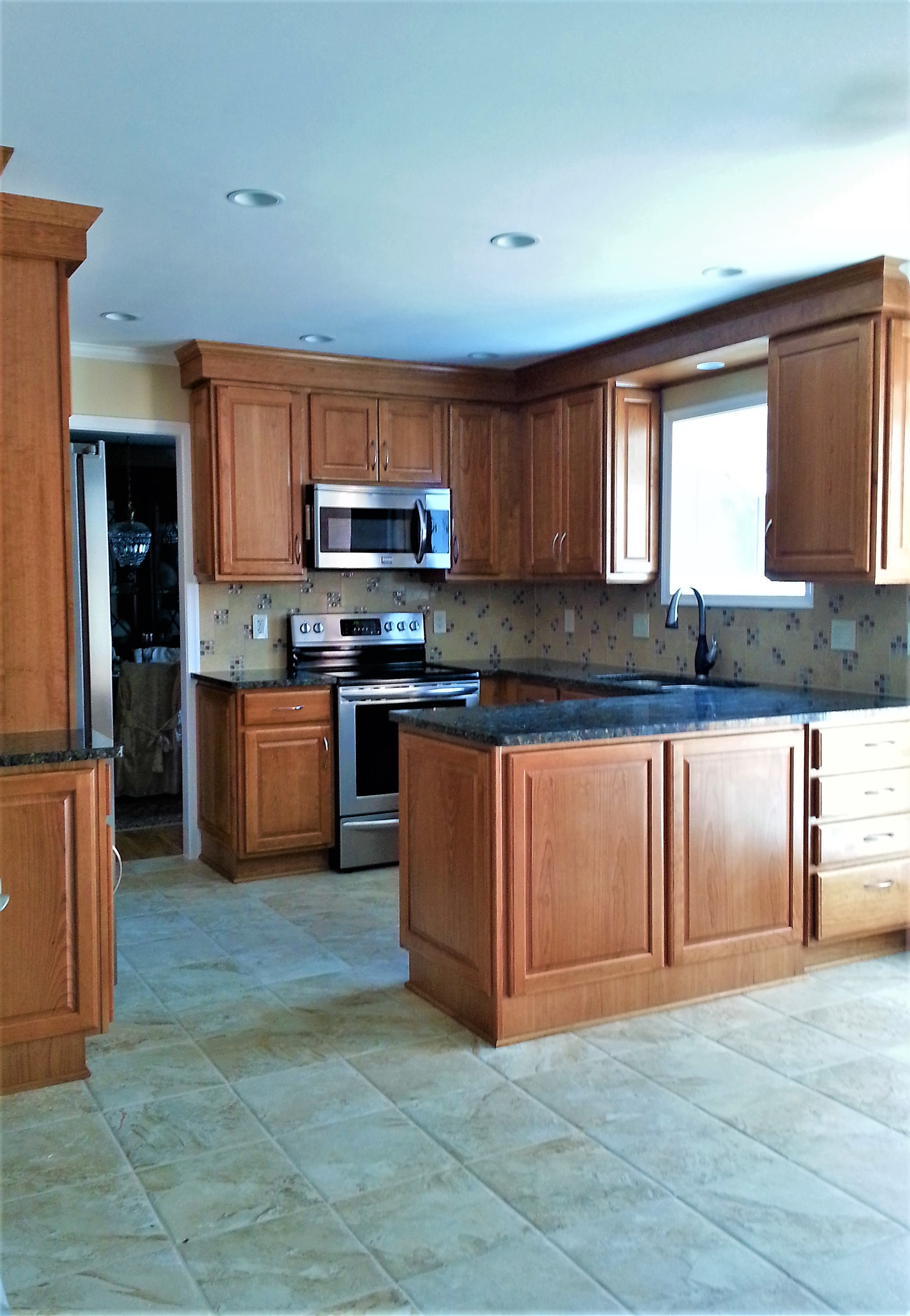 CUSTOM KITCHEN WITH CHERRY CABINETS