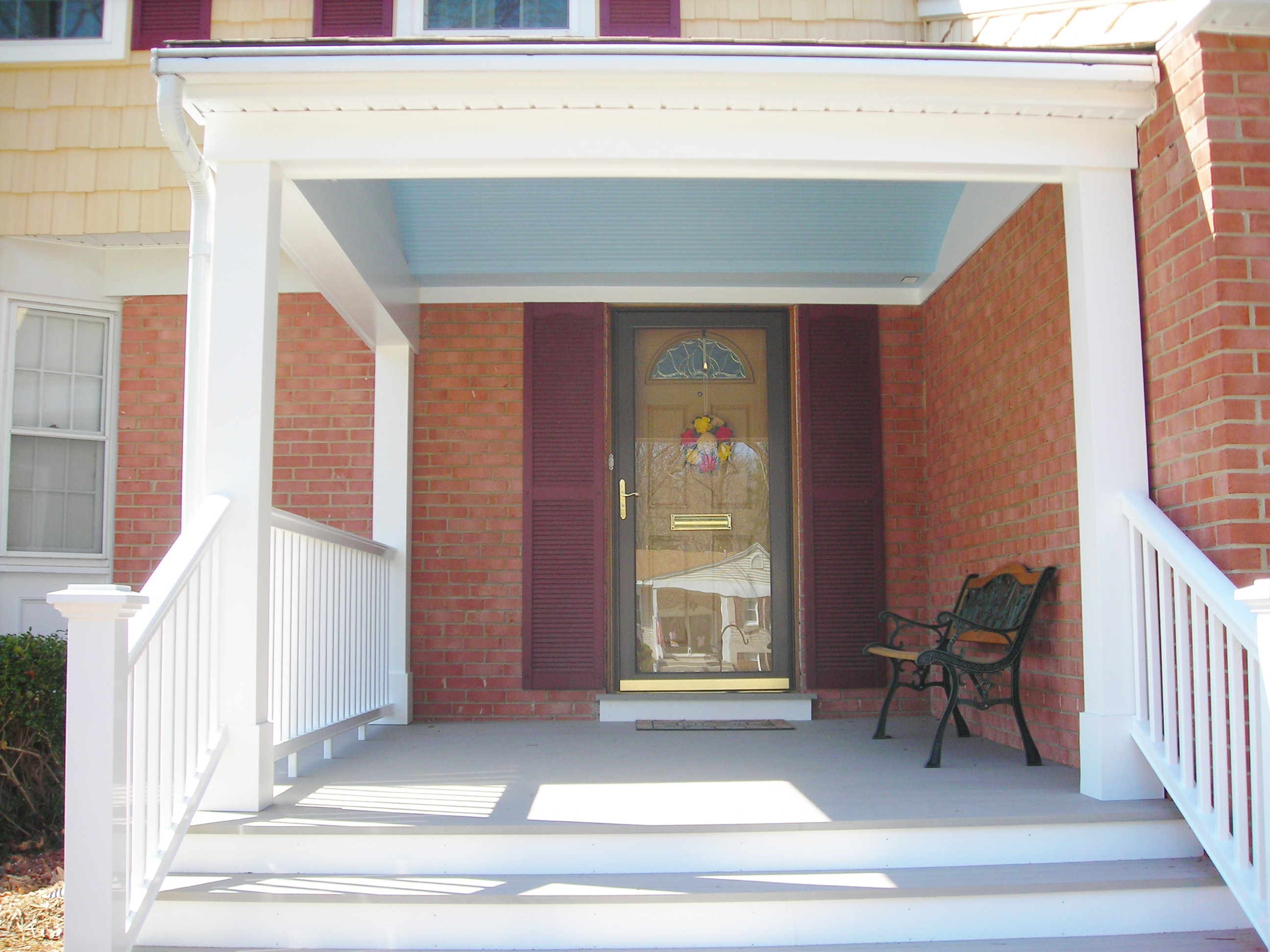 PORCH WITH CUSTOM CURVED CEILING