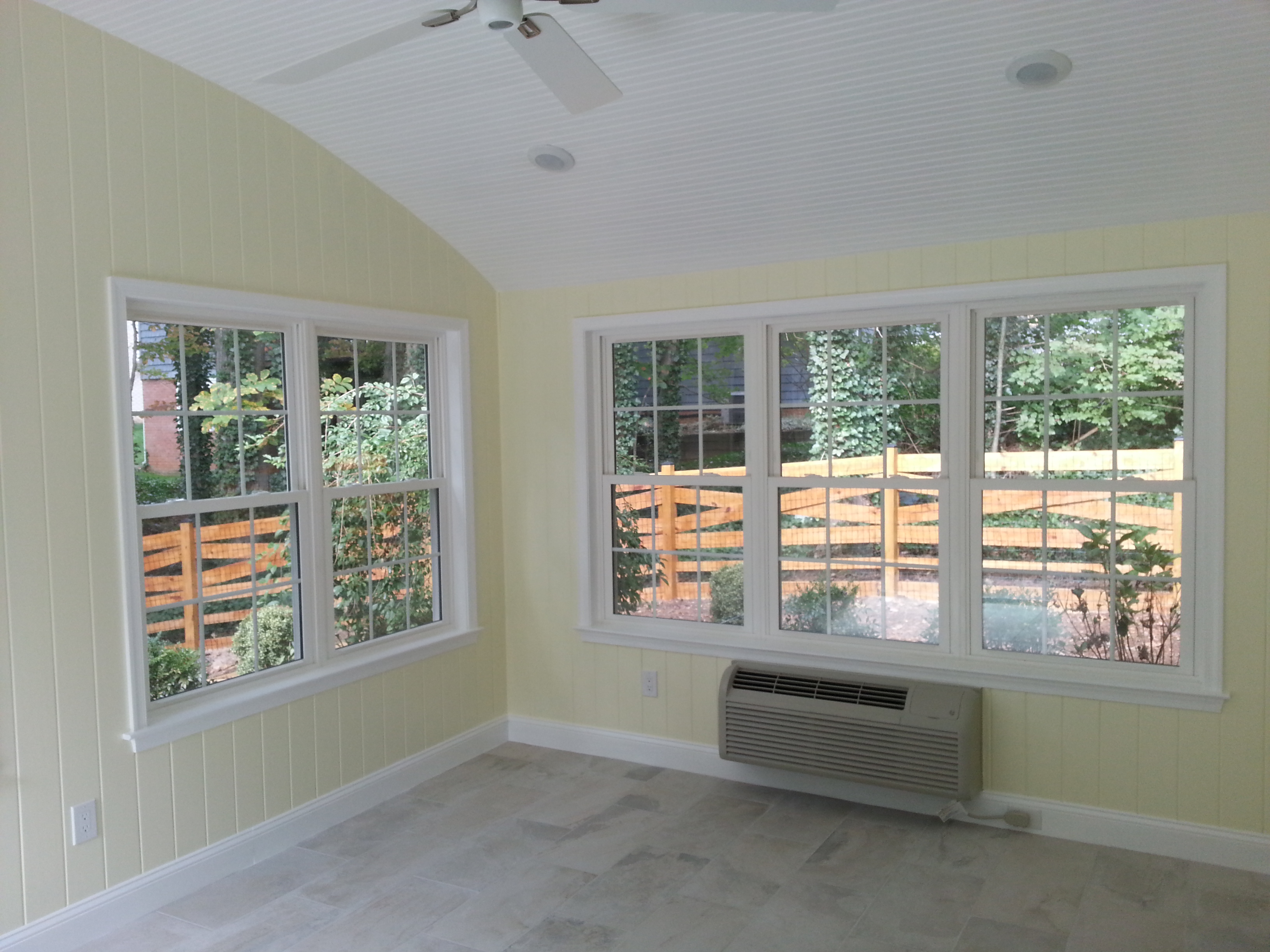 SUNROOM WITH CUSTOM CURVED CEILING