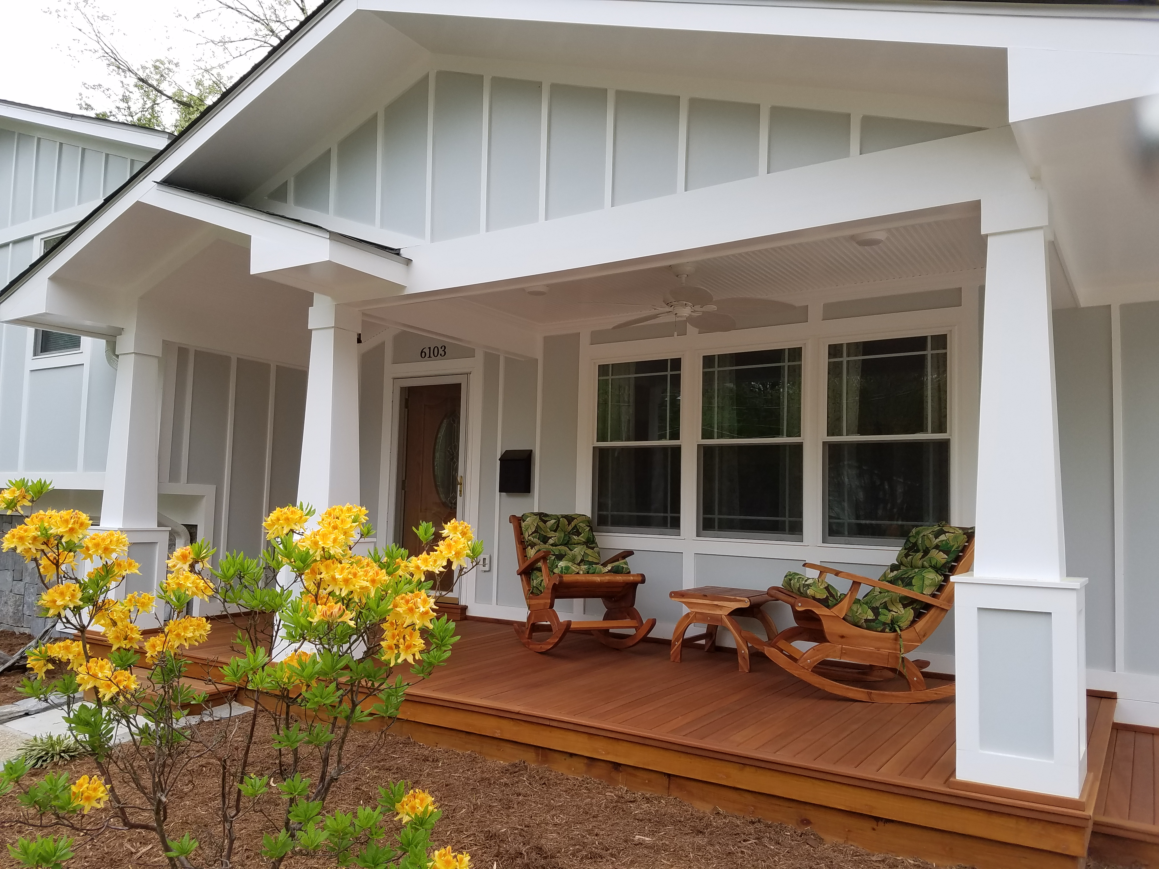 CRAFTSMAN PORCH & MAHOGANY DECKING