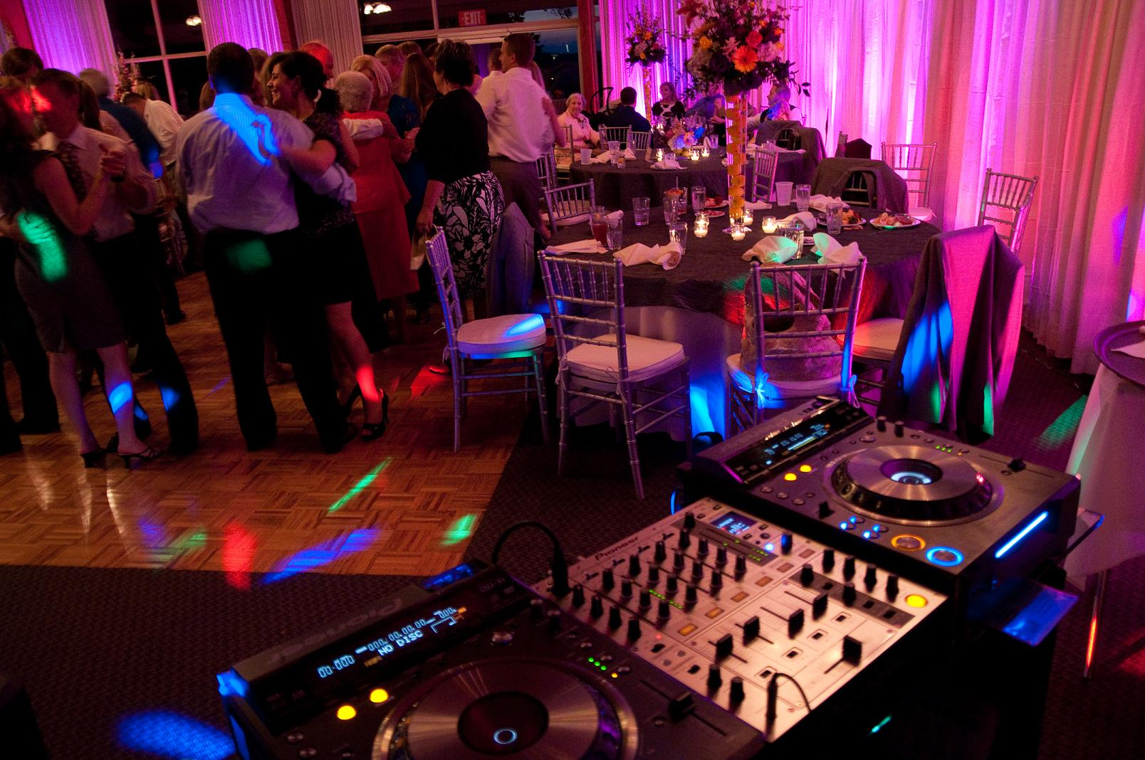 Knoxville Wedding DJ