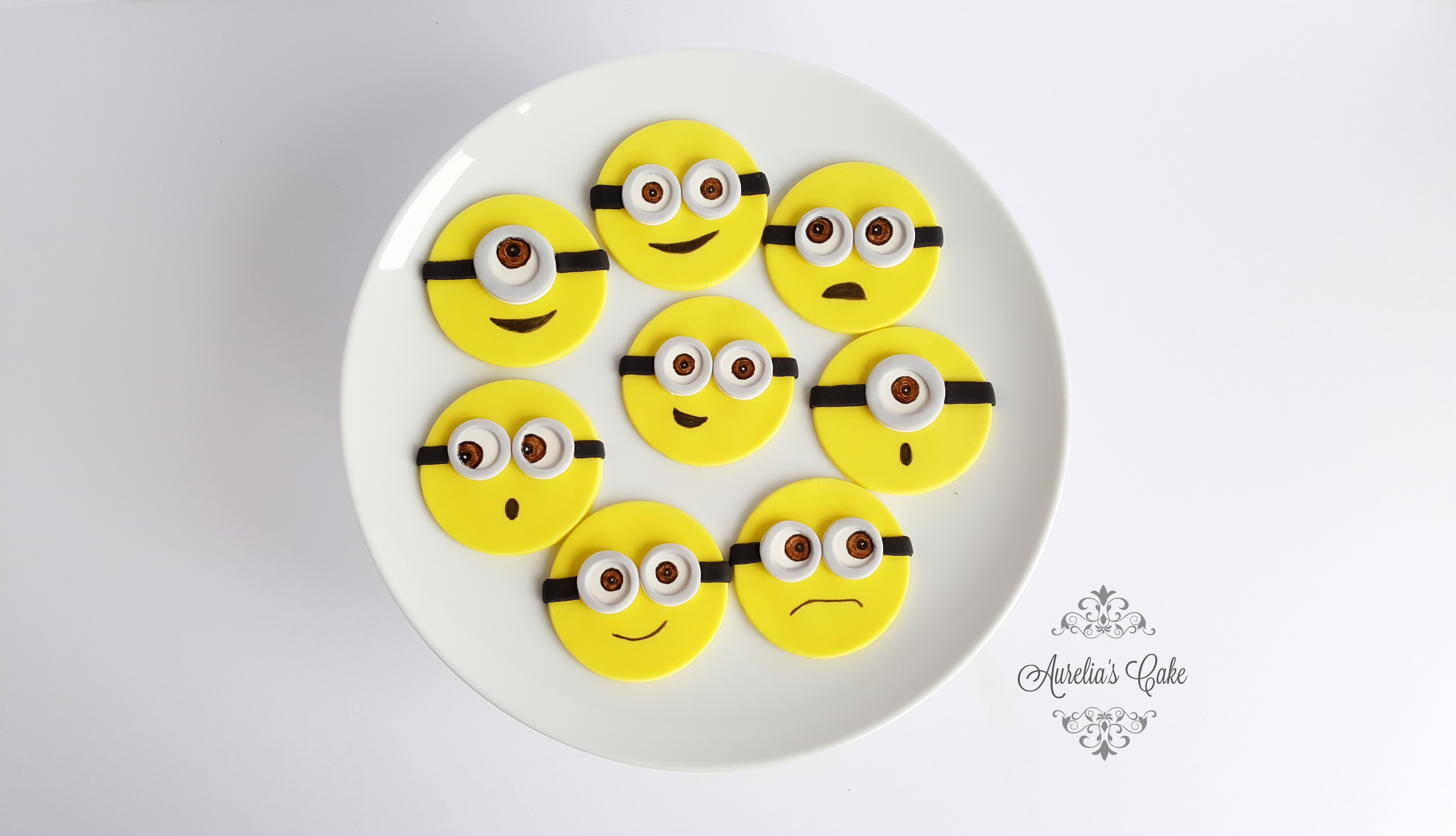 Minion cupcake toppers_
