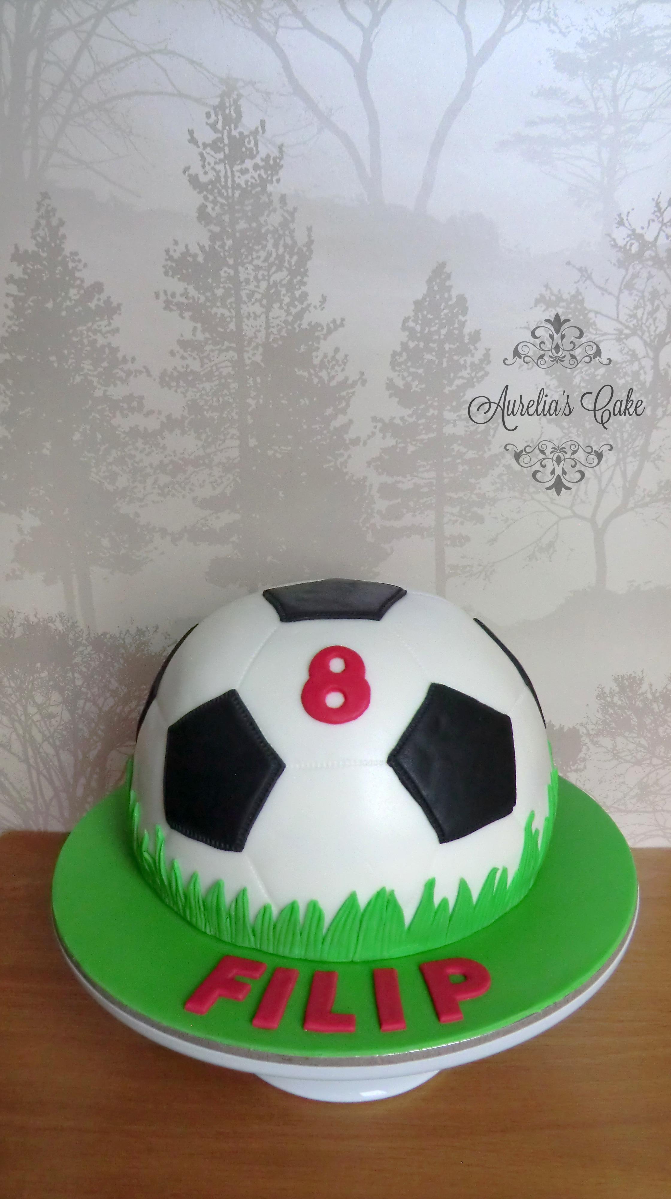 Socker ball cake.
