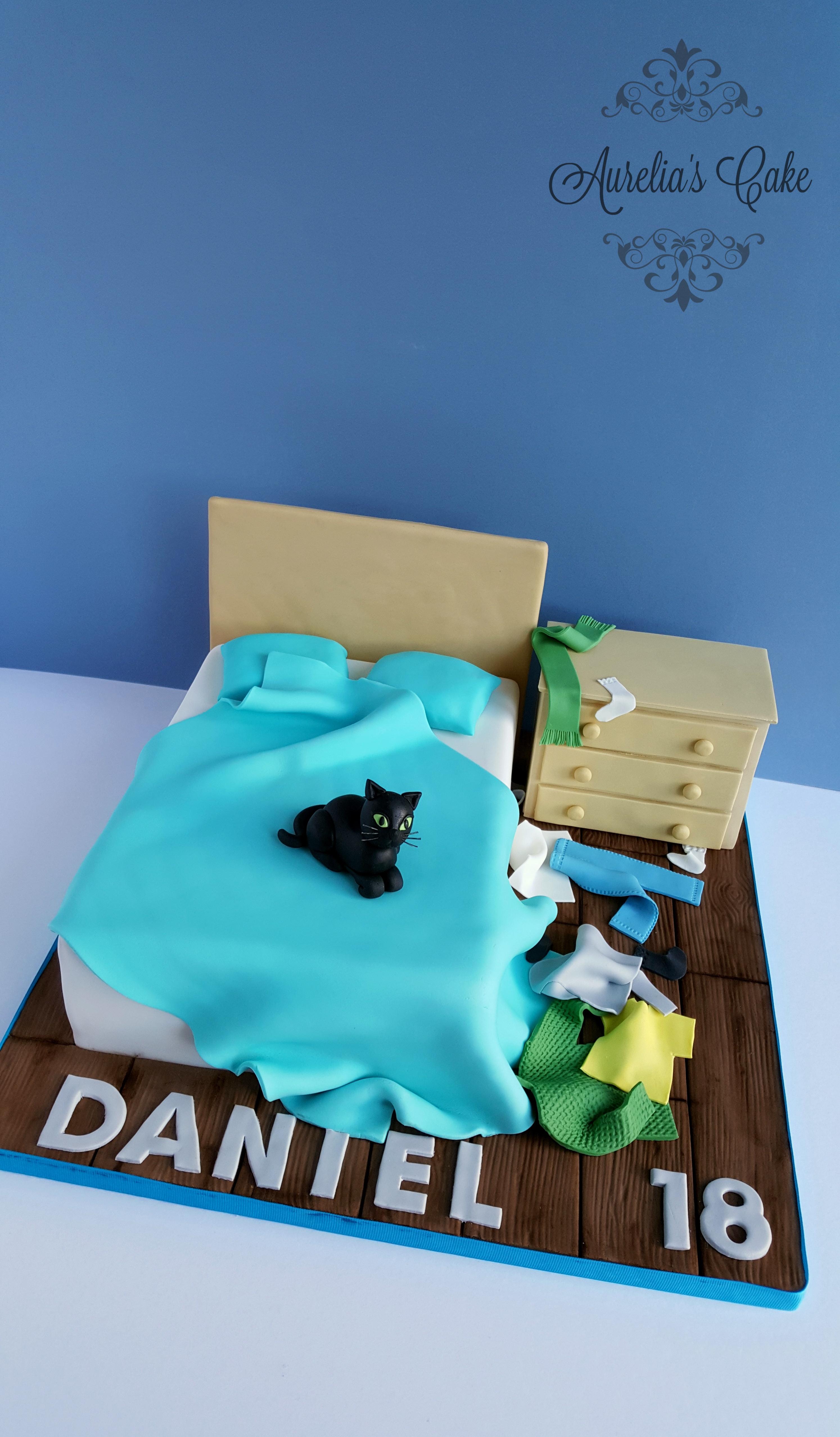 Teen messy bedroom cake_