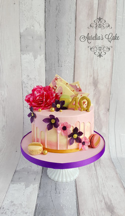 Drip, flowers cake