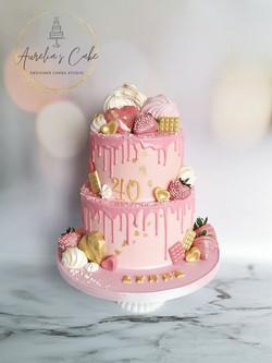 Pink Strawberries Drip Cake
