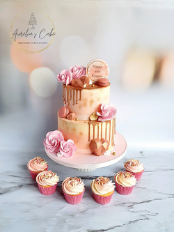 Rose Gold Drip Cake with Cupcakes
