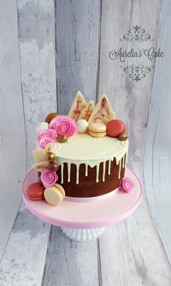 Macaroons drip cake for women